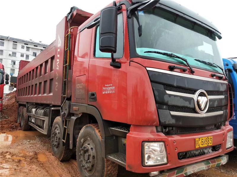 欧曼前四后八430马力潍柴,国五排放,8.8米货箱,1.5米箱高